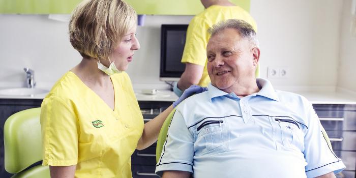 Parodontitis als Risikofaktor für Covid-19 – so schützt Sie Ihr Zahnarzt